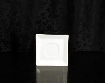 White Square Saucer Rental (20/Rack)