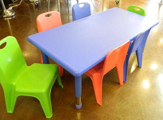 7 Piece Kids Table And Chair Set Rental