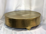"20"" Round Gold Hammered Cake Plateau Rental"
